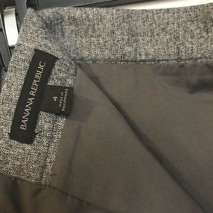 Banana Republic Skirts - Banana Republic grey zippered pencil skirt